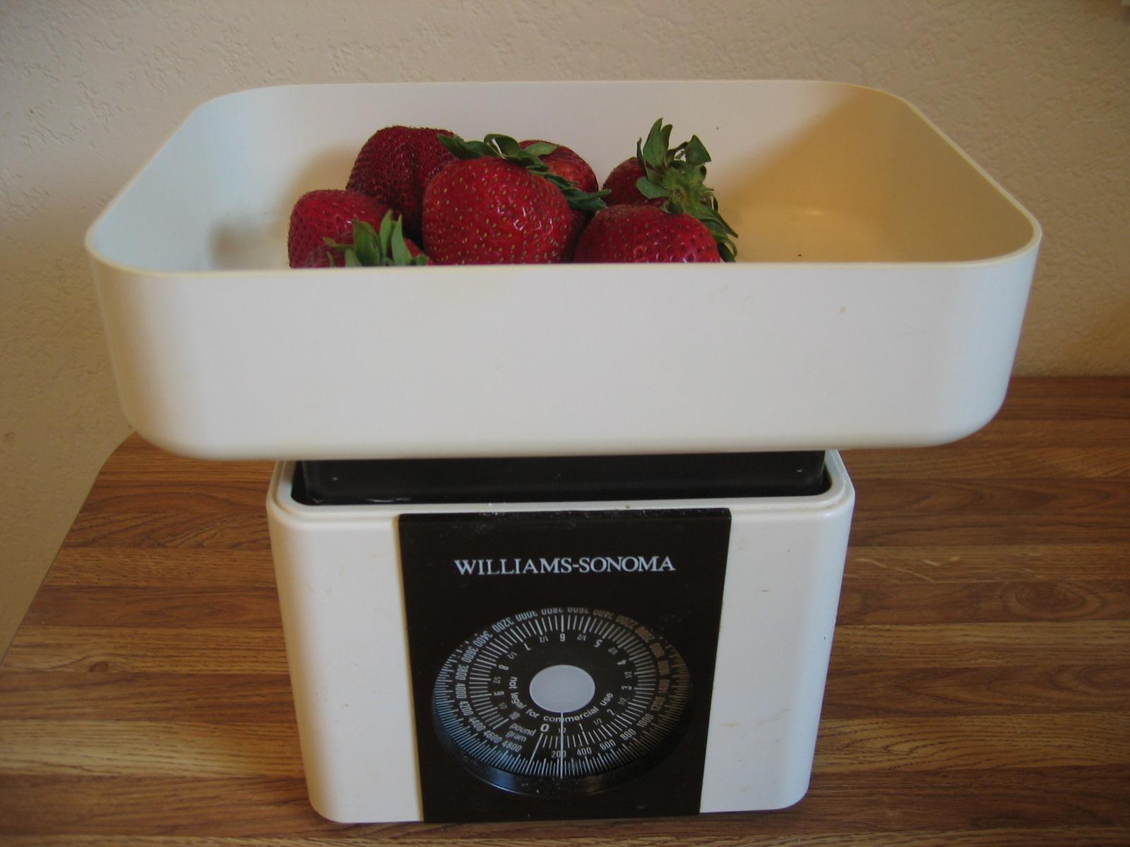 jahody na váze